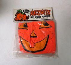 Vintage 1960s INFLATABLE TOY PUMPKIN JOL Halloween MIP JACK-O-LANTERN