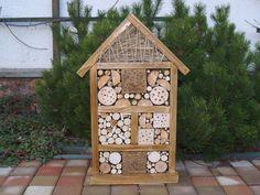 Hmyzí+hotel,+domeček+pro+hmyz.+Dřevěný+domek+pro+slunéčka+sedmitečná,+pavoučky,+čmeláky,+.........+Lze+ho+jen+postavit+do+zahrady+nebo+pověsit+na+strom,+plot+či+balkon.