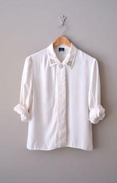 vintage embroidered collar blouse     #collar #vintage #whiteshirt