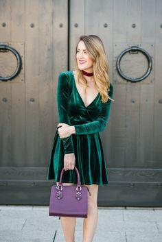 Holiday style: green velvet party dress #holidayseason #velvet