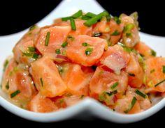 Tartare de saumon mariné. Publié par Sido. Retrouvez toutes ses recettes sur youmiam.com.