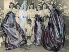 In Bag - coco fronsac _  Sac-poubelle ? (d'un matériau bleu nuit, tirant sur le noir, et très résistant pour mettre des tas de choses dedans.) Sacs mortuaires ? (Receptaculum rerum mortuarum, obsoletarum.) Coco Fronsac, en bonne magicienne, fait les bébés et les morts, et ses sacs bleutés comme un cerne de femme sont autant de délivres, vraies fausses couches tirées du sac gestationnel, très actif et toujours magique du Grand Utérus Cosmique. - Natacha Giafferi-Dombre.