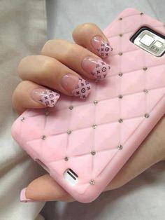Cute Louis Vuitton nails pink