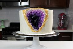 I finally hoped on the geode cake band wagon this weekend, and found that it is WAY easier to make a geode cake than I thought! All you need is a frosted cake, some white/clear rock candy, gel food… Vanilla Layer Cake Recipe, Layer Cake Recipes, Frosting Recipes, Layer Cakes, Isomalt, Icing Cake Design, Cake Designs, All You Need Is, Cake Band