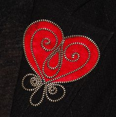 Red Heart designer zipper and felt handmade brooch by 3latna