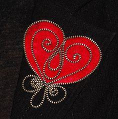 Red Heart designer zipper and felt handmade brooch by 3latna