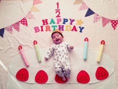 Cake Monthly Baby Photos, Newborn Baby Photos, Baby Poses, Birthday Girl Pictures, Baby Boy Pictures, Cute Babies Photography, Newborn Baby Photography, 6 Month Baby Picture Ideas, Foto Baby