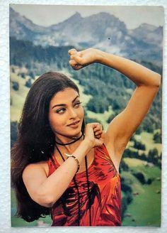 Bollywood Actor Ex Miss World - Aishwarya Rai Bachchan - Rare Postcard Post Card Aishwarya Rai Cannes, Aishwarya Rai Young, Aishwarya Rai Pictures, Aishwarya Rai Photo, Aishwarya Rai Bachchan, Amitabh Bachchan, Beautiful Bollywood Actress, Most Beautiful Indian Actress, Beautiful Ladies