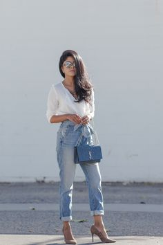 Jeans trends for fall / winter 2019 : the coolest jeans trends to wear this winter and how to pair them. Jeans for women over Mom Outfits, Jean Outfits, Casual Outfits, Fashion Outfits, Fashion Trends, Throwback Outfits, Womens Fashion, Outfit Jeans, Jeans Dress
