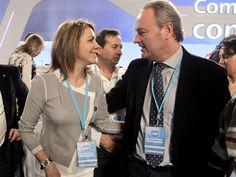 Alberto Fabra con la Secretaria General del Partido Popular, Mª Dolores de Cospedal, en el Congreso Nacional del PP en Sevilla.