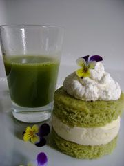 Green Tea Cake with Vanilla Filling