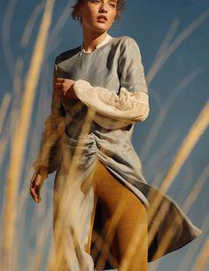Zara Spring 2018 Agnes Akerlund and Sara Hannoun by Christian MacDonald - Fashion Editorials Inspiration Photoshoot, Style Photoshoot, Fashion Photography Inspiration, Mode Inspiration, Photoshoot Ideas, Fashion Poses, Fashion Shoot, Editorial Fashion, Fashion Fashion