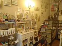 Visit our shop in Pistoia, Tuscany (via del Can Bianco 5, near the Duomo).