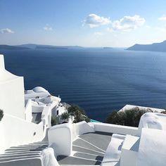 Enjoy the best S U M M E R by thesuites SANTORINI #greece #santorini #design #white #thesuites