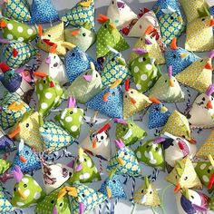 Sew simple mini Easter chickens with instructions for beginners – easy & quick sewing. Sew simple mini Easter chickens with instructions for beginners – easy & quick sewing. Kids Crafts, Easter Crafts, Diy And Crafts, Egg Crafts, Thanksgiving Crafts, Wood Crafts, Diy Ostern, Sewing Projects For Beginners, Free Sewing