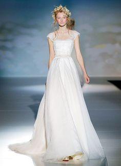 2014 wedding dress with cap sleeves