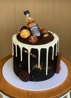18th Birthday Cake For Guys, 29th Birthday Cakes, Birthday Cake For Boyfriend, White Birthday Cakes, Bithday Cake, Beautiful Birthday Cakes, Bolo Jack Daniels, Festa Jack Daniels, Jack Daniels Party