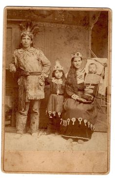 Native American Indian Family (Seneca Iroquois) Cabinet Card Photo c1890: