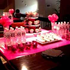 party-decoration-ideas-pink-theme-table-and-black-polka-dot-minnie-mouse-54227d7803798.jpg (961×961)