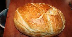 A kenyérbe normálisan nem rakunk vajat, zsiradékot. De más kemencében sütni, és más a sütőben, ezért most szemet hunyunk fölötte... ... Hungarian Cuisine, Kenya, Hamburger, Food And Drink, Bread, Cooking, Sweet, Desserts, Drinks