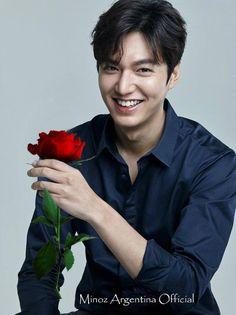 A dream come true. Jung So Min, Lee Min Ho Wallpaper Iphone, Lee Min Ho Smile, Legend Of Blue Sea, Lee Min Ho Kdrama, Lee Minh Ho, Lee And Me, Lee Min Ho Photos, Handsome Korean Actors