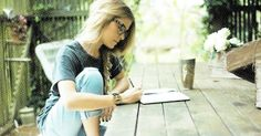 15 Best Sites to Find Your Pen Pal to Write to . Snail Mail Pen Pals, Letter Writer, Best Pens, Best Sites, Mail Art, Finding Yourself, Writing, This Or That Questions, Creative
