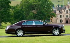Image from http://carsbackground.com/wp-content/uploads/2014/12/Bentley-Mulsanne-Limo.jpg.