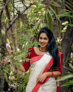 Beautiful Girl Indian, Most Beautiful Indian Actress, Beautiful Saree, Beautiful Women, Kerala Saree, Anupama Parameswaran, India Beauty, Indian Actresses, Cute Pictures