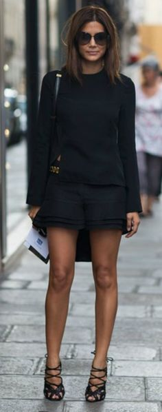 Street style fashion, heels highlight gorgeous legs!