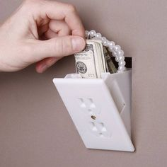 This fake wall outlet safe is to hide valuables where a thief will never look! Wall outlet diversion safe looks like a standard wall outlet. Secret Hiding Spots, Secret Safe, Secret Keeper, Super Secret, Hidden Compartments, Secret Compartment, Home Security Tips, Home Security Systems, Storage Hacks