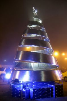 Christmas tree in Quito, Ecuador  OMG I could flip it and have a tornado!!!