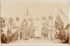 Photography, Wounded Knee: A Group of Sioux Warriors Including Plenty Horses,Who Killed Lieutenant Casey at the Infamous Engagement. Sioux, Mystery Photos, Bear Coat, Photo Grouping, Cowboys And Indians, First Nations, Native American Indians, Historical Photos, Horses