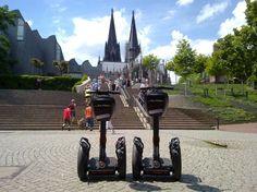 #Segway in Köln. Das gehört mit Sicherheit zu den Highlights einer Stadtbesichtigung der Domstadt am Rhein. Jetzt online auf guiders buchbar.