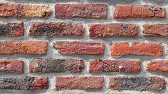 A volte mi sembra di parlare con i muri... My Shot  #bricks #mattoni #wall #muro #instalife #instalike #igerslivorno #instamood #instafun #l4l #minimal #minimalism #fotografia #fotografiitaliani #myshot