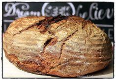 ♥♥♥ ♥♥♥ Eine Schwarzwaldkruste ist ein Roggen-Weizen-Mischbrot mit einem höheren Anteil an Weizenmehl. Charakteristisch ist natürlich der Roggensauerteig und für mich auch, dass es ziemlich dunkel …