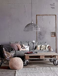 Roze pastel industrieel interieur industrial interior