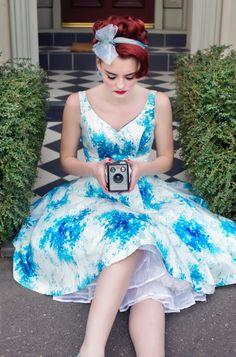 Retrospec'd – Vintage inspirierte Kleider aus Sydney Auf die Mode der 50er Jahre zurückschauen, dass tun viele Frauen heutzutage liebend gerne. Alle Bilder mit freundlicher Erlaubnis von Retrospec'd Die taillierten Schnitte üben noch immer einen großen Charme aus. Davon ist … Weiterlesen →