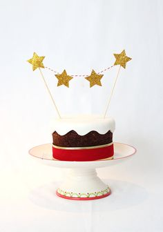 Cake bunting of gold stars