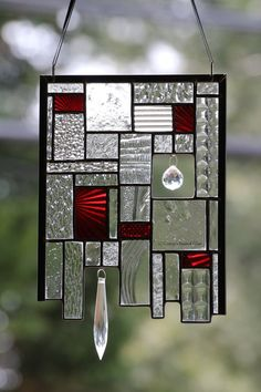 Stained Glass art With Glue - How To Make Glass art Videos - Glass art Sculpture House - Glass art Photography - Fused Glass art For Beginners - Stained Glass Suncatchers, Stained Glass Lamps, Stained Glass Designs, Stained Glass Projects, Fused Glass Art, Glass Wall Art, Stained Glass Patterns, Leaded Glass, Stained Glass Windows