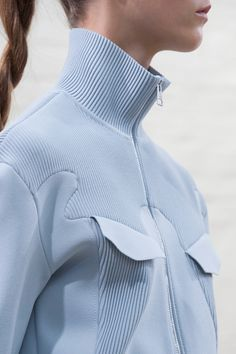 JW Anderson Spring 2016 Ready-to-Wear Fashion Show Fashion Details, Look Fashion, High Fashion, Fashion Show, Fashion Design, Fashion Trends, Sport Style, Looks Style, My Style