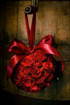 Ah la fête des amoureux…Un petit retour sur l'origine et une sélection de 25 photographies idée Saint Valentin originale de décoration et de cadeaux.