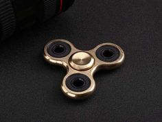 SHINEHENG Metal Tri Spinner Aluminum Material Fidget Gyro for Autism and ADHD Rotation Anti Stress Wheel Toys Stres Spiner Song