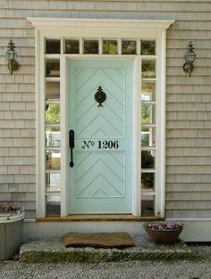Красивые способы оформить номер дома или квартиры