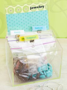 Preserve jewelry and prevent tangles and scratches by sorting pieces into bags. Label and organize in a clear recipe-card holder for an easy DIY jewelry box.
