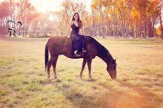 Unbridled Mystic www.ShaunaRaesPhotography.com Boise Idaho Senior photo Shauna Rae's Photography with horse