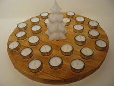 Adventsteller mit 24 Teelichtern von Jochens-Elch-O-Thek auf DaWanda.com