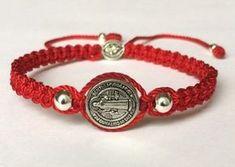 pulseras tejidas a mano de hilo Rosary Bracelet, Bracelet Knots, Bracelet Crafts, Paracord Bracelets, Macrame Jewelry, Macrame Bracelets, Bohemian Jewelry, Jewlery, Simple Bracelets