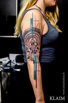 Tatouage réalisé par Klaim