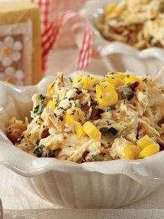 Mısırlı ve tavuk etli salata tarifi mi arıyorsunuz? En lezzetli Mısırlı ve tavuk etli salata tarifi be enfes resimli yemek tarifleri için hemen tıklayın!
