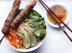 Bun Nem Nuong / Vietnamese Rice Noodles With Pork Patties Recipe (The Traveler& Lunchbox) Vietnamese Pork, Vietnamese Cuisine, Vietnamese Recipes, Pork Recipes, Asian Recipes, Cooking Recipes, Ethnic Recipes, Asian Foods, Pork Patties Recipe